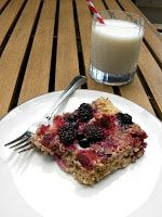 Delicious Baked OAtmeal with Berries