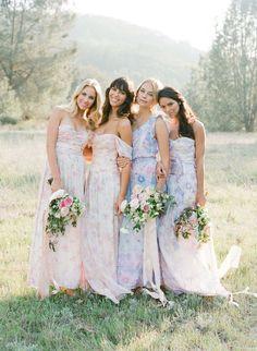 We love Flowerpower! Zarte Aquarell-Kleider in Pastell für Bräute und Brautjungfern @Jose Villa http://www.hochzeitswahn.de/inspirationsideen/we-love-flowerpower-zarte-aquarell-kleider-in-pastell-fuer-braeute-und-brautjungfern/ #wedding #dress #fashion