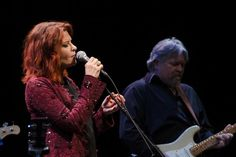 Rosanne Cash:   Penn State @penn_state  ·  Apr. 10, 2015. Singer-songwriter @rosannecash performed a terrific set last night at Eisenhower Auditorium (photos: @clancy214)  https://twitter.com/rosannecash