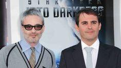 Alex Kurtzman y Roberto Orci se separan. El dúo de guionistas Alex Kurtzman y Roberto Orci se independizan para seguir sus propios proyectos orientados a la dirección cinematográfica http://www.cinemascomics.com/2014/04/23/noticias/39275