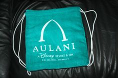 New Disney Aulani Hawaii Blue Towel Beach Bag Purse Tote #DisneyParks #TotesShoppers