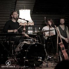 Bericht und Fotos aus Freiburg: vom TV Noir Konzert #10 mit Tim Neuhaus und Max Prosa