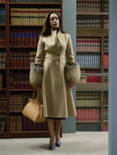 Gina Torres as Jessica Pearson -- Get premium, high resolution news photos at Getty Images Lawyer Fashion, Office Fashion, Work Fashion, Business Fashion, Business Style, Business Formal, 2000s Fashion, Business Attire, Business Casual