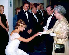 Natsha Richardson and Queen Elizabeth II at The Parent Trap premiere, 1998
