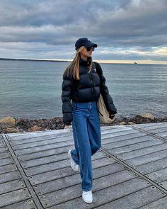 "💫 ANNA WINCK 💫 on Instagram: ""three days of snow ☃️☃️ @zalando #zalandostyle #ad"" Casual Fall Outfits, Edgy Outfits, Fall Winter Outfits, Cool Outfits, Fashion Outfits, Uk Street Style, Zalando Style, Clueless Fashion, Mode Style"