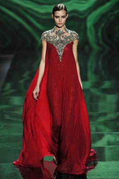 Monique Lhuillier- Fall 2013 / Photographer: Anthea Simms  See the entire collection.