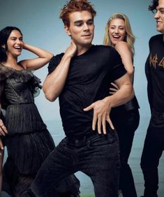 Camila Mendes, KJ Apa, Lili Reinhart and Cole Sprouse for the Rolling Stones Magazine. Riverdale Poster, Kj Apa Riverdale, Riverdale Netflix, Watch Riverdale, Riverdale Aesthetic, Riverdale Funny, Riverdale Memes, Rolling Stones, Camila Mendes Riverdale