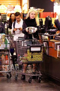 DAKOTA FANNING  FOODS GROCERY SHOPPER  | Dakota Fanning SENY AENY 100212 018
