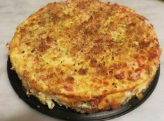 Ricetta torta di pane salata - RICETTA - Mozzarella, salsiccia e mollica di pane: la semplicità in cucina paga sempre. Titty e Flavia ci spiegano come realizzare la torta di pane salata