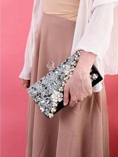 Floral Clutch Bags, Floral Clutches, Clutch Purse, Pink Clutch, Sparkly Clutches, Unique Handbags, Evening Outfits, Evening Dresses, Formal Dresses