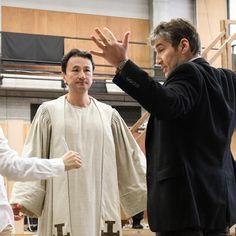 劇団四季さんはInstagramを利用しています:「白熱する、『ノートルダムの鐘』の稽古。 開幕まであと6日! (撮影:上原タカシ) #ノートルダムの鐘の稽古場から #フロロー #劇団四季 #ミュージカル #ノートルダムの鐘 #ノートルダム #ヴィクトルユゴー #アランメンケン #12月11日開幕 #Shiki…」 Judge Claude Frollo, Chef Jackets, Couple Photos, Couples, Instagram, Couple Shots, Couple Photography, Couple, Couple Pictures