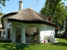 zsupfedeles haz, Hungary Heart Of Europe, Thatched Roof, Natural Building, Rooftops, Budapest Hungary, Eastern Europe, Traditional House, Homeland, Renting A House