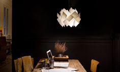 Επιστροφή στους ρυθμούς της πόλης και στο φώς των φτιαγμένων από ξύλο φωτιστικών της LZF. Βάλτε την γοητεία του ξύλου στον χώρο σας και απολαύστε την θαλπωρή του.