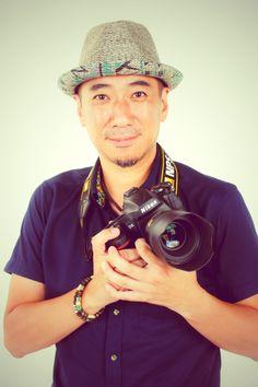 ゲスト◇熊切大輔 (Daisuke Kumakiri)東京生まれ。東京工芸大学を卒業後、日刊ゲンダイ写真部に入社。その後、フリーランスの写真家として独立。広告や雑誌媒体などで「ドキュメンタリー」「ポートレート」「食」「舞台」などを撮影対象に幅広い分野で活動中。月刊誌日本カメラでは「テストリポート」を連載中。ニコンカレッジ講師をはじめ様々な写真講師を務める。個展は「演じるコト-俳優 石丸幹二の1年-」「TOKYO ZOO」「浅草ラプソディ」を開催。カメラグランプリ選考委員。公益社団法人日本写真家協会会員。