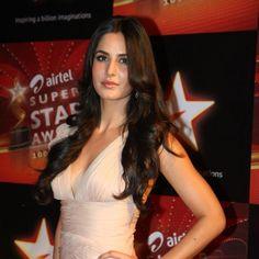 2011-katrina-kaif-hairstyles-makeup-beauty-vogue-india-4