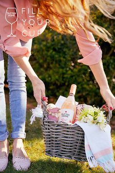 This year, share a Spring basket overflowing with gifts from the heart and Sutter Home Wine. Basketfuls of joy await. Wine Tasting Outfit, Wine Tasting Party, Wine Glass Sayings, Wine Quotes, Wine Bottle Art, Wine Bottle Crafts, Wine Slushie Recipe, Bubble Bath Bomb, Sutter Home