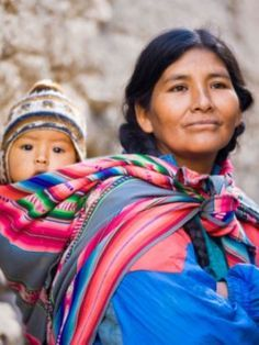 View top-quality stock photos of Peruvian Mother And Child. Find premium, high-resolution stock photography at Getty Images. Peruvian People, Peruvian Women, We Are The World, People Around The World, Bolivian Women, Beatiful People, Mexico Culture, Equador, Local Women