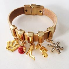 Bracelete em couro princesas
