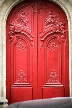 Beautiful door in Paris.