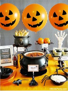 Halloween Chili Buffet!! Love the fun Halloween inspired food that's non-candy!! #halloween #noncandy #party #recipes #partyideas #chili