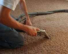 Pranie ekstrakcyjne najbardziej zabrudzonych powierzchni. Firma Pogromca Brudu specjalizuje się w czyszczeniu tapicerki i dywanów. Korzystamy z odkurzaczy ekstrakcyjnych marki Karcher.