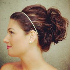 loose up-do. great for both formal or casual events. Bun Hairstyles, Wedding Hairstyles, Hairstyle Ideas, Crazy Hair Days, Hair Heaven, Fall Hair Colors, Healthy Hair Tips, Bridal Updo, Good Hair Day