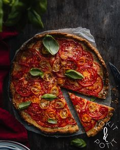 Paella, Cheddar, Vegetable Pizza, Feta, Good Food, Quiches, Baking, Vegetables, Ethnic Recipes