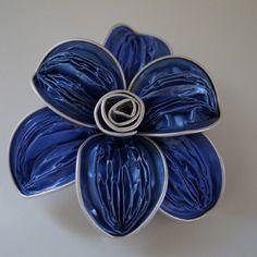 Broches en capsule de nespresso en forme de fleur couleur bleu