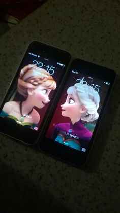 Matching Elsa and Anna lock screens. Too bad I don't have a sister we would so have these!!