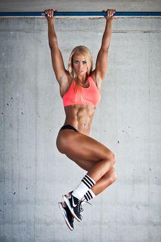 Female Form #StrongIsBeautiful #Motivation #WomenLift2 Kristbjorg Jonasdottir