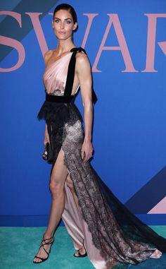 Hilary Rhoda: cfda-fashion-awards-2017-red-carpet-arrivals