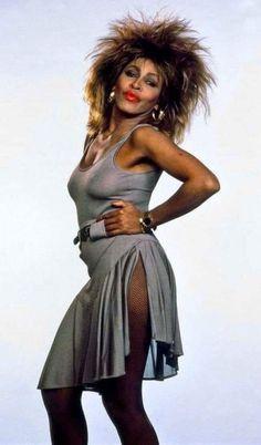 life by the drop — Tina Turner Vintage Black Glamour, Vintage Beauty, Tina Turner Proud Mary, Female Rock Stars, Chica Punk, Women Of Rock, Pop Rock, Female Singers, Beautiful Black Women