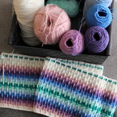 I'm sort of obsessed with how this blanket is turning out : crochet - Decor Tips 2019 Baby Afghan Crochet, Crochet Bebe, Crochet Pillow, Afghan Crochet Patterns, Crochet Yarn, Crochet Stitches, Knitting Patterns, Irish Crochet, Blanket Patterns