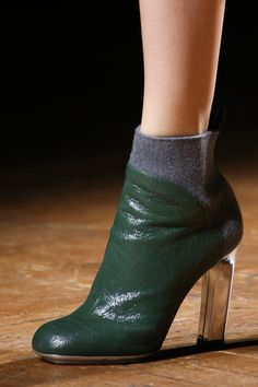 Dries Van Noten | Fall 2014 Ready-to-Wear Collection - Love the different heel