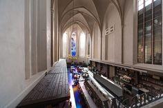 15世紀ゴシック建築の教会が書店に衣替え:オランダ - IRORIO(イロリオ)
