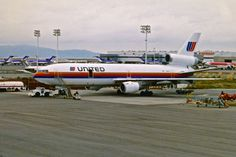 United Airlines DC-10 Oakland California