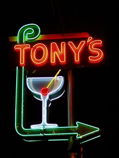 Tony's Bar neon sign - Woodland, CA Old Neon Signs, Vintage Neon Signs, Neon Light Signs, Old Signs, Neon Moon, Neon Nights, Sign Lighting, Googie, Advertising Signs