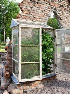 A sweet green house