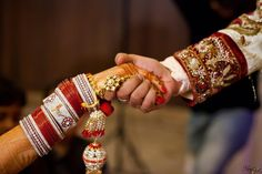 Wedding photography list events Ideas for 2019 Indian Wedding Couple Photography, Wedding Couple Photos, Wedding Couple Poses Photography, Pre Wedding Photoshoot, Bridal Photography, Wedding Poses, Wedding Couples, Wedding Bride, Indian Wedding Pictures