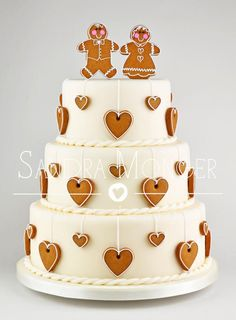 Gingerbread Wedding Cake By Sandra Monger Cake Design Christmas Wedding Cakes, Christmas Cake Decorations, Holiday Cakes, Cake Wedding, Wedding Favors, Gingerbread Wedding Cakes, Wedding Wishes, Winter Wedding Cakes, Christmas Cake Designs