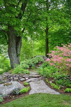 25 Inspirational Backyard Landscaping Ideas - Gardening Now 25 Inspirational Ba. - 25 Inspirational Backyard Landscaping Ideas – Gardening Now 25 Inspirational Backyard Landscapin - Landscaping On A Hill, Backyard Landscaping, Landscaping Ideas, Landscaping Software, Modern Backyard, Wooded Backyard Landscape, Oasis Backyard, Luxury Landscaping, Landscaping Company