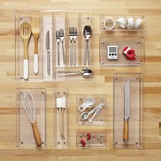 Linus Shallow Drawer Organizers at The Container Store. Our modular Linus Shallow Drawer Organizers are ideal for storing toiletries and cosmetics, craft and hobby supplies, clothing and accessories, as well as kitchen utensils and gadgets.