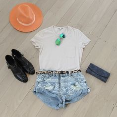 Girls, we've got your Laneway Festival outfit sorted for this weekend ☀ grab the look in store or online #superstyle #lanewayfestival #aninebing #raybanaviators #oneteaspoon #jamesperse #lackofcolor #superettestore #ootd #love