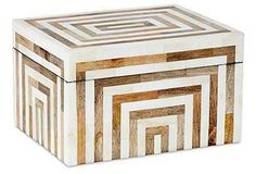 A striking striped design is formed from inlaid horn, mango wood, and bone tiles on this expertly crafted box.