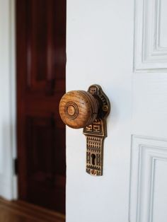 A place with knobs like this must have a lot of character!