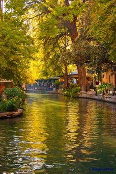 San Antonio Riverwalk....here I come