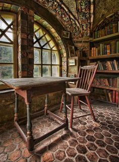 Fonthill Castle Library. Photo by K. Graf