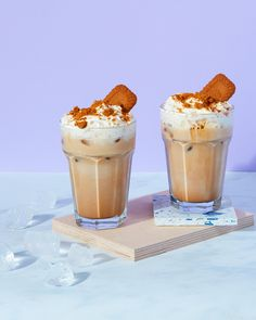 The Lotus Biscoff addiction is real... Blitz up a shot of vanilla Little's coffee with ice, milk and a few of these little gems and top with whipped cream and extra biscoff, obvs. You're welcome 😎 • • • #coffeegoals #lotusbiscoff #livenupyourcup #frappe #frappuccino #flavouredcoffee #coffee #coffeetime #coffeelover #coffeeaddict #coffeeholic #coffeegram #sugarfree #instacoffee #coffeebreak Little's Coffee, Coffee Break, Coffee Time, Frappuccino, Frappe, Lotus Biscoff, Ice Milk, Whipped Cream, Sugar Free