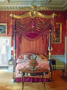 British Estate -Holkham Hall, Parrot Room