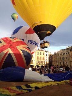 En el último vuelo del festival se sumaron otros globos de la zona en un fantástico espectáculo.